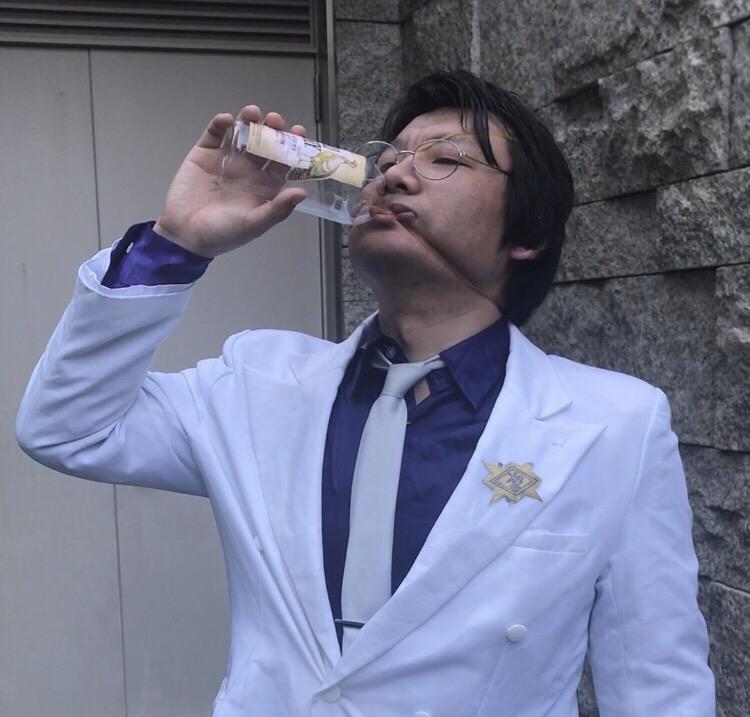 """【『グラップラー刃牙』】花山薫のウイスキーの一気飲み。""""ふりいくっ!富田""""さんによる完全再現動画ッッ!!"""